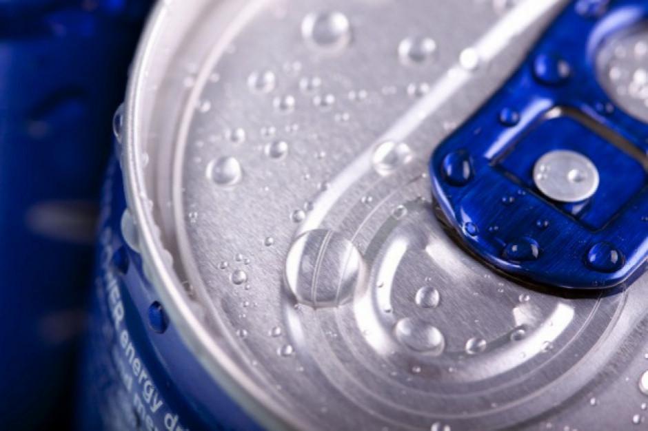 Blisko 60 proc. Polaków za zakazem sprzedaży napojów energetycznych osobom nieletnim