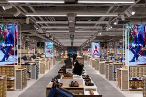 CCC ze wzrostem sprzedaży w IV kw. o 2 proc. W 2020 r. sieć zamknęła 80 sklepów