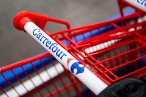 Właściciel stacji paliw Circle K rozmawia o przejęciu Carrefoura