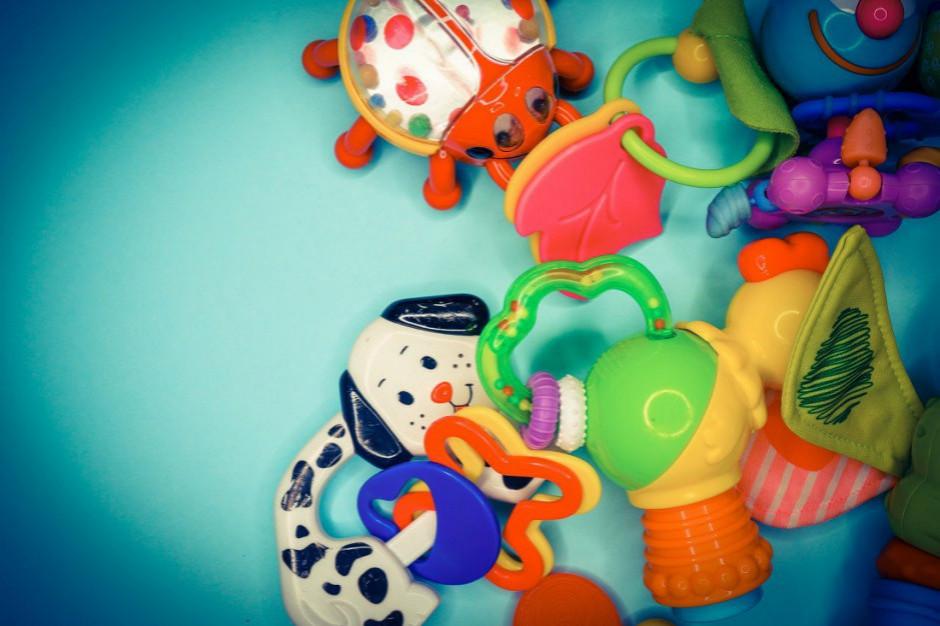 UOKiK przebadał właściwości chemiczne 11 próbek zabawek. Zakwestionowano 2