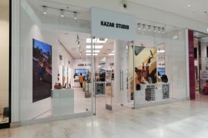 Kazar zostaje w galeriach handlowych