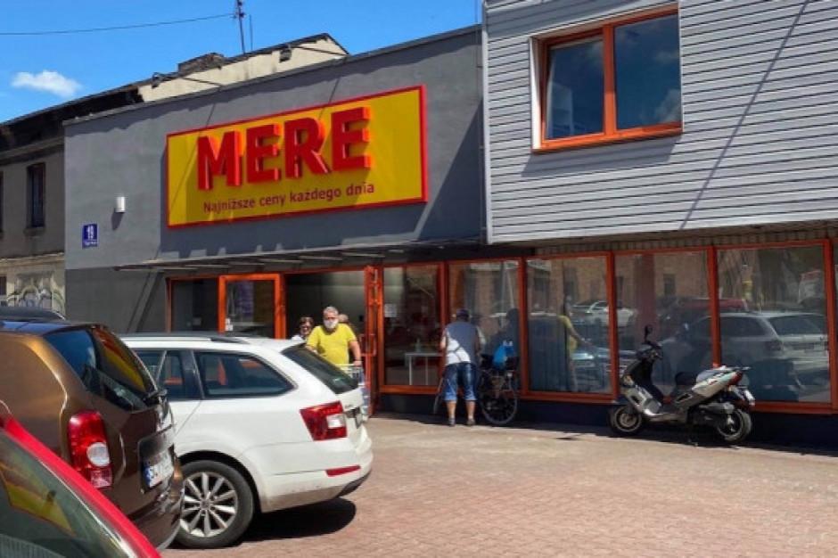 Mere po trzech latach od ogłoszenia planów ma trzy sklepy