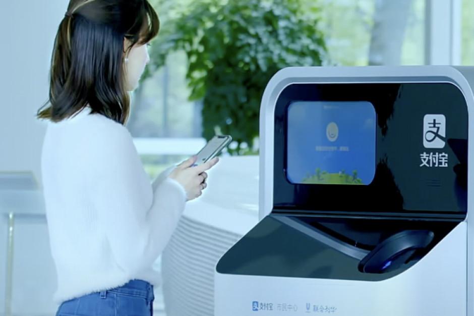 Firmy Unilever i Alibaba opracowały maszynę do sortowania plastiku opartą na AI