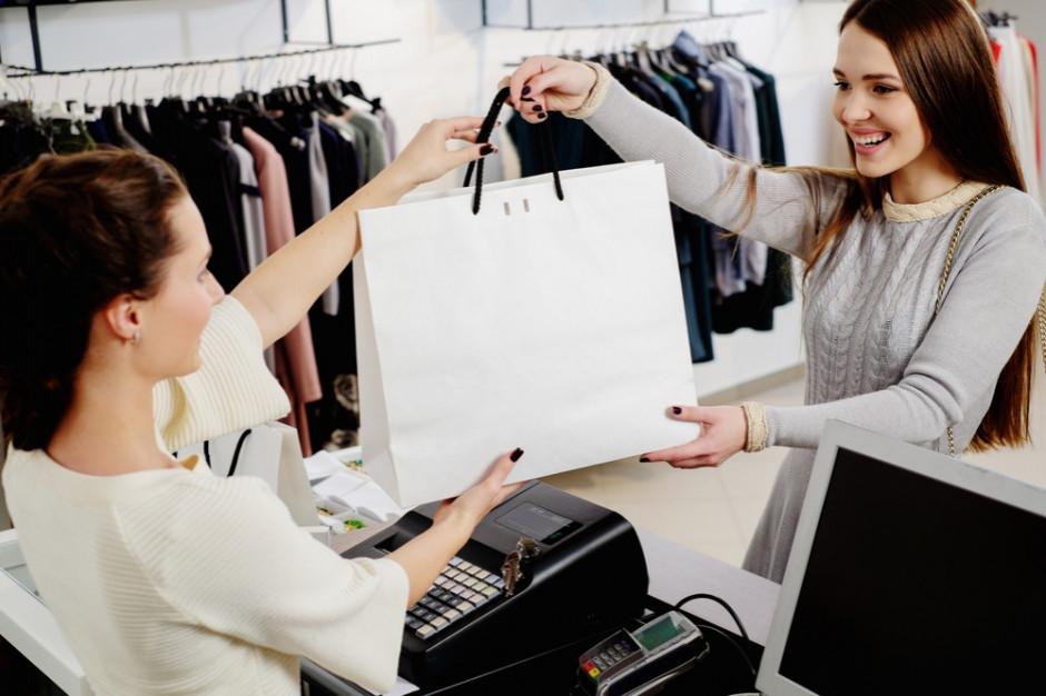 Sprzedawcy odzieży z dużym wsparciem z tarczy 2.0
