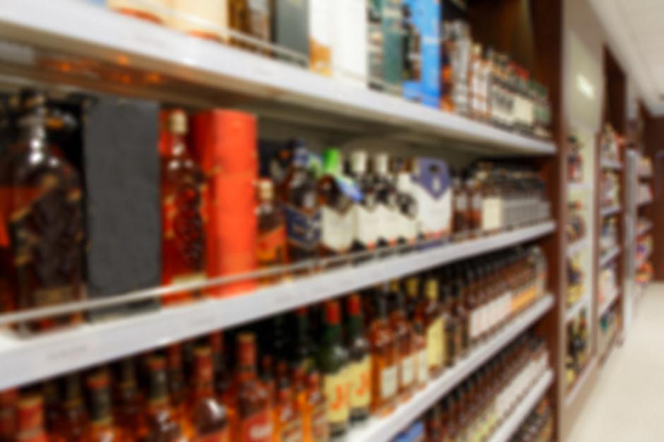 """Solidarność: Zakazać niedzielnego handlu alkoholem w sklepach typu """"placówki pocztowe"""""""
