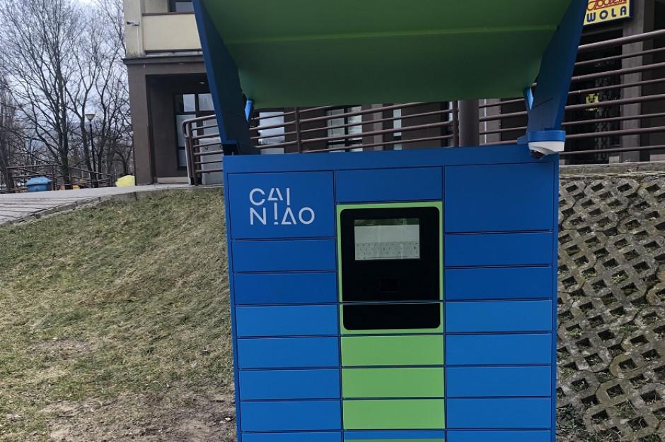 Pierwszy automat do odbioru paczek z AliExpress na warszawskiej Woli