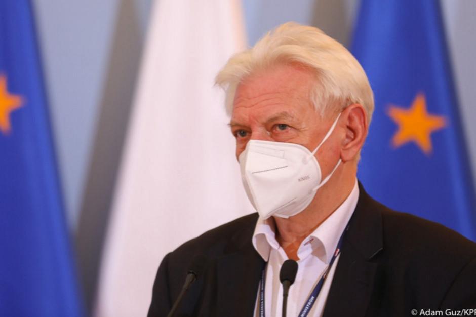 Horban: Zaczynamy poważnie rozważać, czy przygotowywać się do zamknięcia Polski