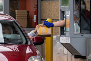 Fast foody nie mogą się pozbierać po pandemii