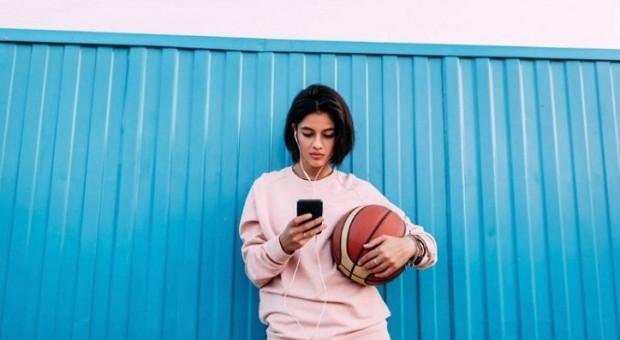 Generację Z do zakupów bardziej inspiruje sklep stacjonarny niż media społecznościowe