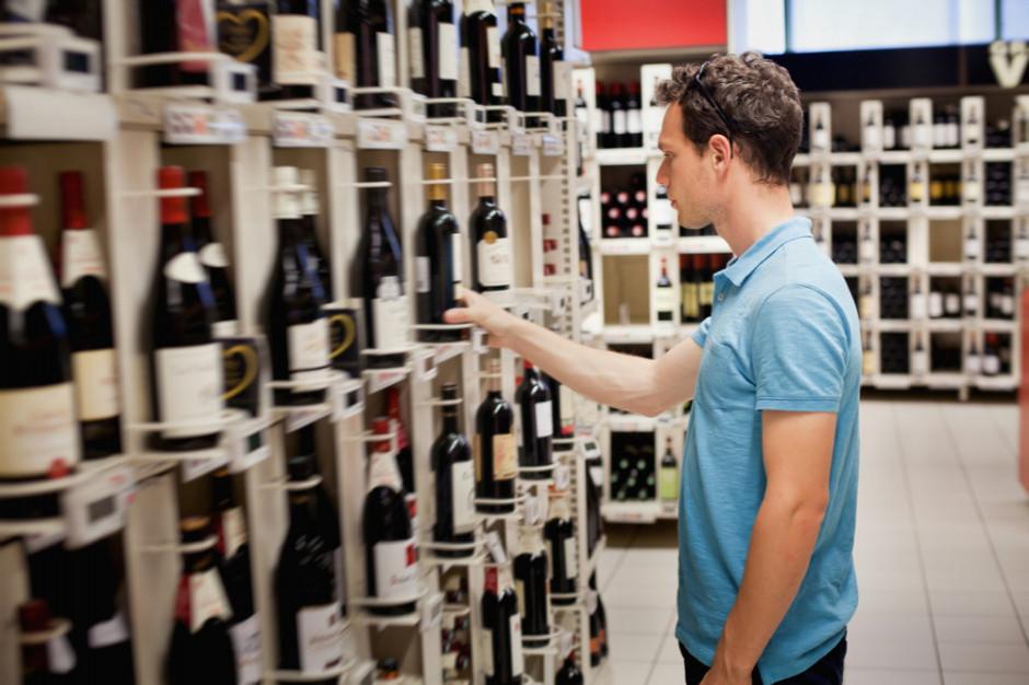 Posłanka chce, aby na butelkach widniały napisy informujące o szkodliwości spożycia alkoholu