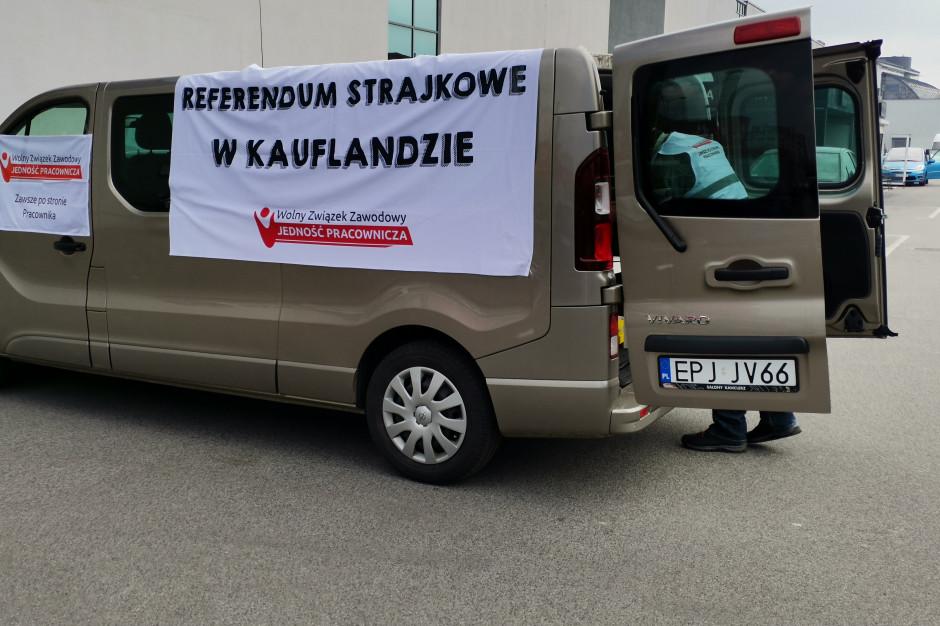 Związkowcy twierdzą, że utrudnia się im przeprowadzanie referendum w Kauflandzie