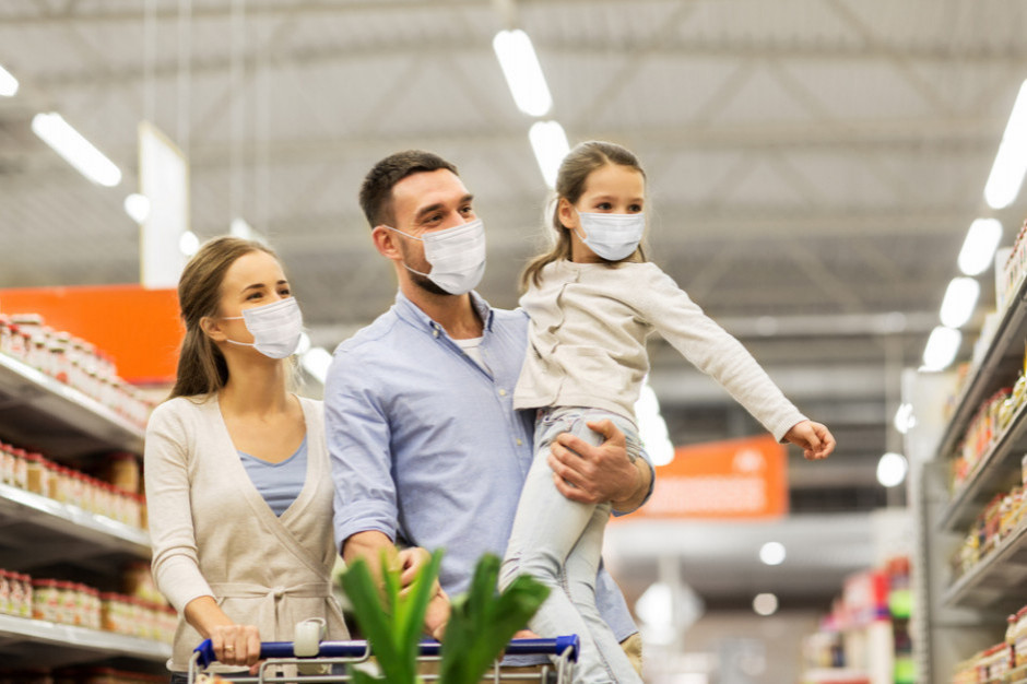 W I kw. 2021 r. w sklepach ubyło 15 proc. klientów
