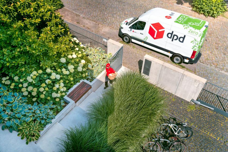 Badanie: Seniorzy preferują dostarczenie e-zakupów do domu