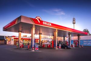 PKN Orlen zbuduje sieć tankowania aut wodorem. Pierwsze stacje w Poznaniu i...