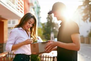 47 proc. internautów uważa, że zakupy online są tańsze