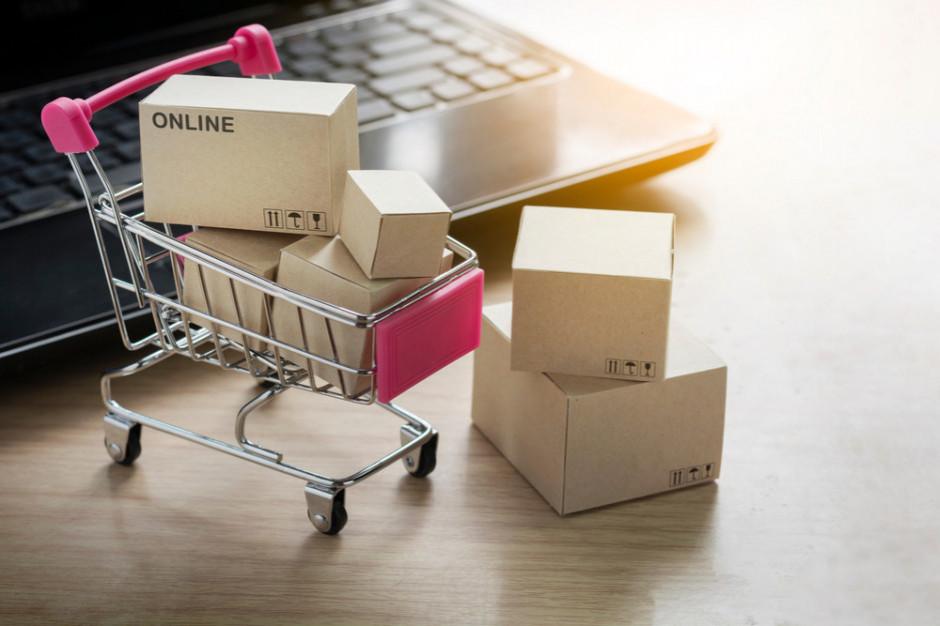 Firmy sprzedające online konkurencyjne wobec stacjonarnych