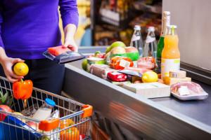 Wiosną 2020 wydatki konsumpcyjne były niższe o 30 proc. rdr.