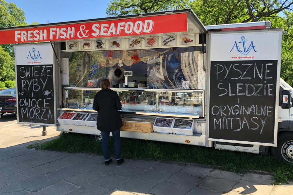 Fishtruck proponuje ryby z dowozem