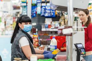 Sasin o kwocie wolnej od podatku: Kasjer w markecie zyska ok. 1800 zł rocznie