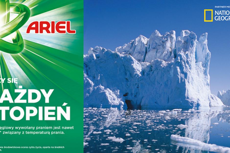 Producent proszku Ariel nawołuje do obniżenia temperatury prania