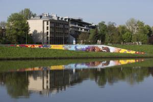 Lajkonik kontra smog - mural marki w Krakowie