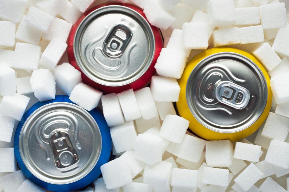 Opłata cukrowa podbiła ceny napojów gazowanych o 32 proc.