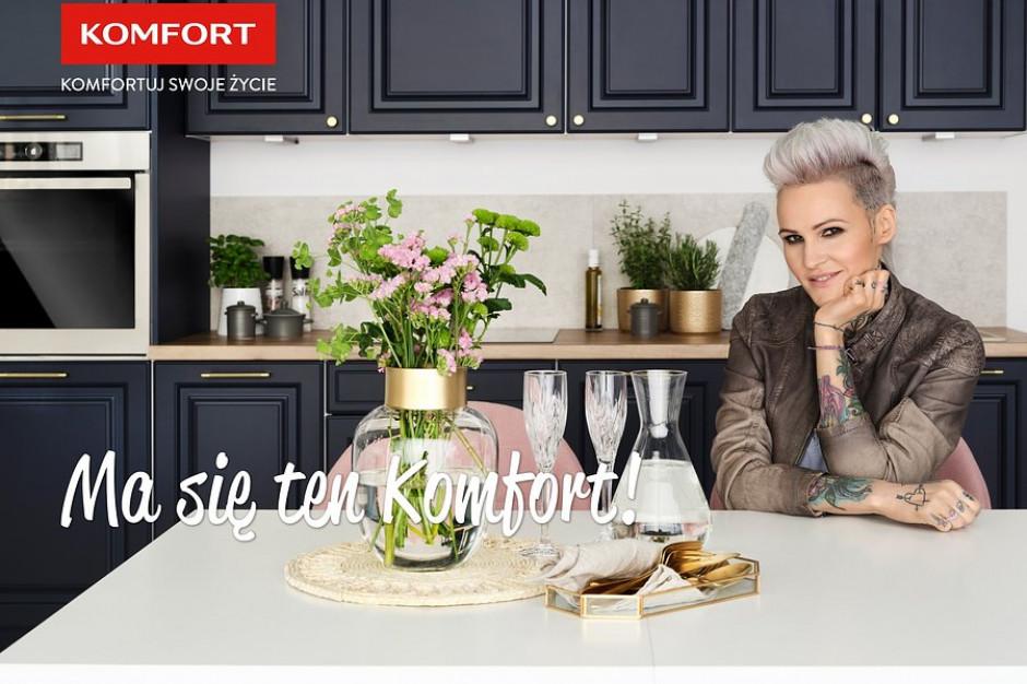 Agnieszka Chylińska w reklamie sklepów Komfort