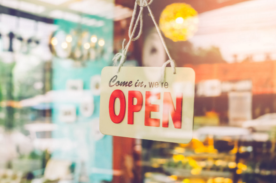 Związkowcy: Fakt, że Orlen pomaga sieciom  otwierać sklepy w niedziele jest bulwersujący