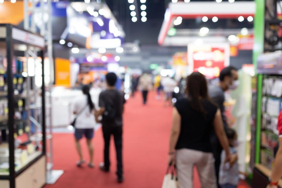 Obiekty handlowe, targi, siłownie z nowym limitem uczestników - 1 osoba na 10 mkw.