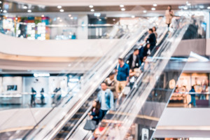 Optymizm w centrach handlowych - klienci wracają