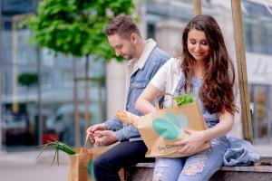 Aplikacja Too Good To Go dostępna w sieciach handlowych i gastronomicznych...