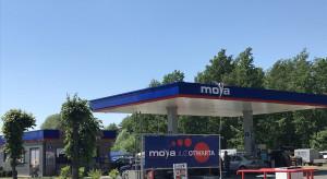 Moya z kolejnymi stacjami we franczyzie