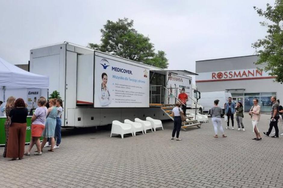 Rossmann organizuje mobilny punkt badań dla swoich pracowników