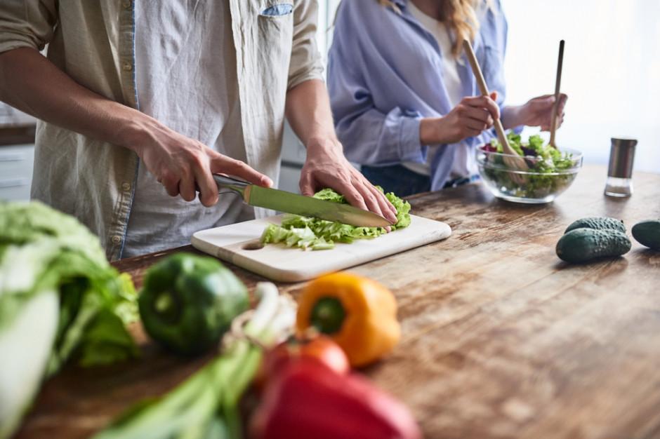 Konsumenci są w gorszej sytuacji finansowej i chcą gotować w domu