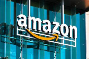 Amazon po raz trzeci z rzędu z kwartalnymi przychodami powyżej 100 mld dolarów