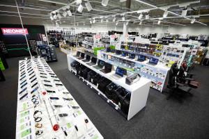 Neonet otwiera dwa nowe sklepy