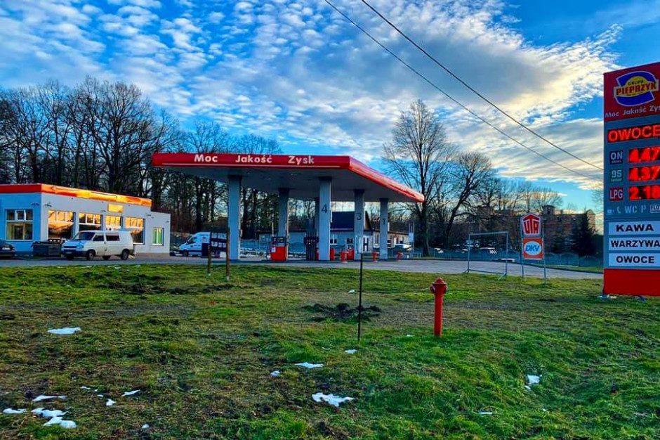 Grupa Pieprzyk rozwija sieć stacji paliw i otwiera przy nich warzywniaki