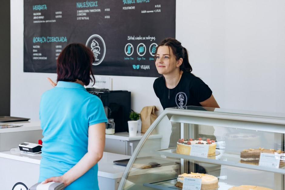 Boom nowych otwarć w sieci Fit Cake oferującej desery bez cukru