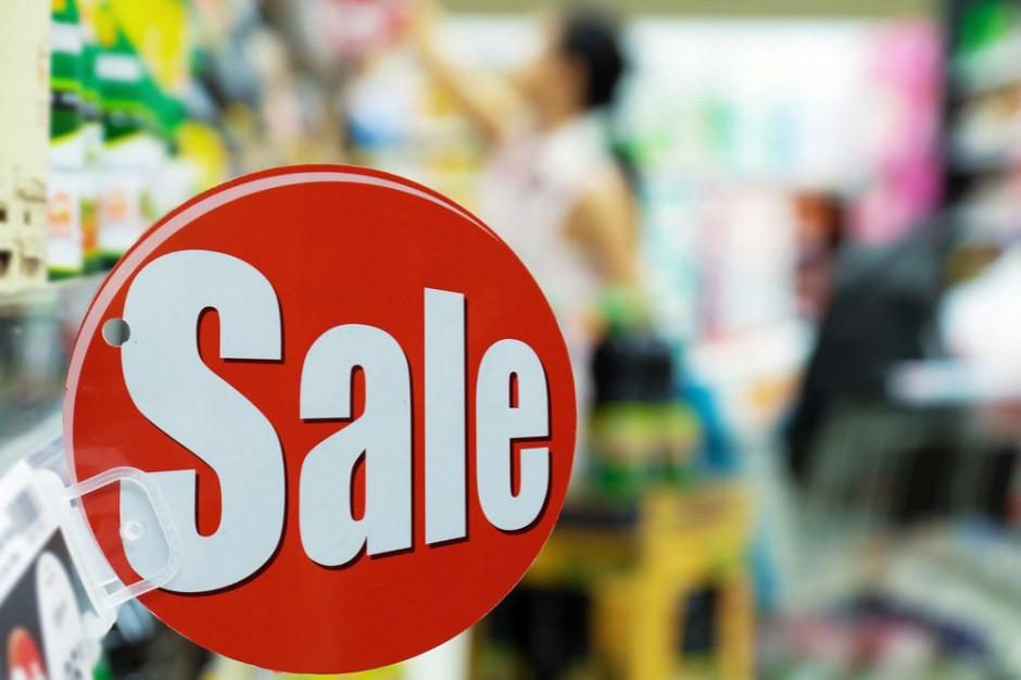 W związku z inflacją konsumenci będą zmieniać marki na tańsze