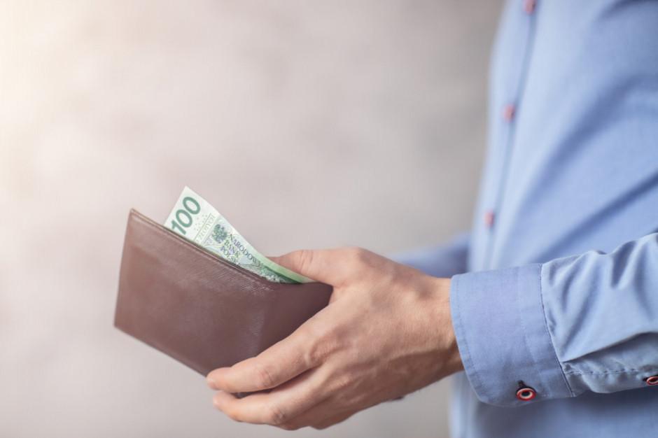 Solidarność: płaca minimalna w 2022 r. powinna wynosić 3,1 tys. zł