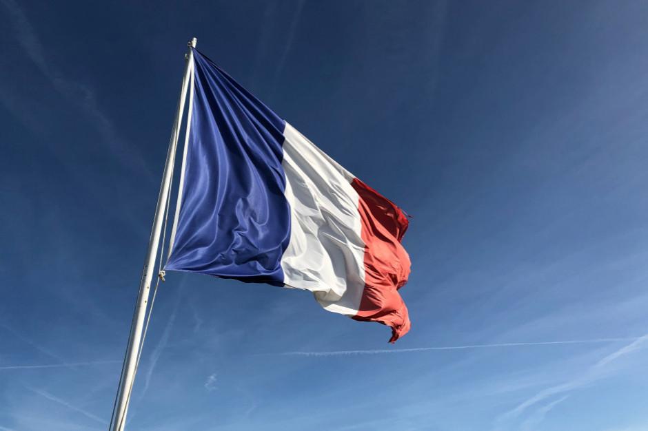 Francuscy restauratorzy nie chcą przepustek sanitarnych