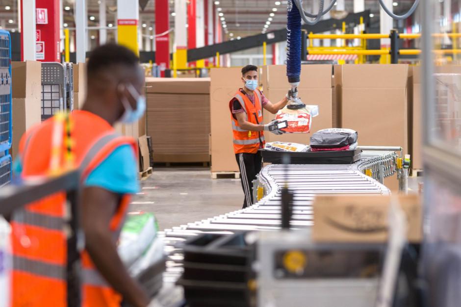 Amazon zatrudni 55 tys. pracowników