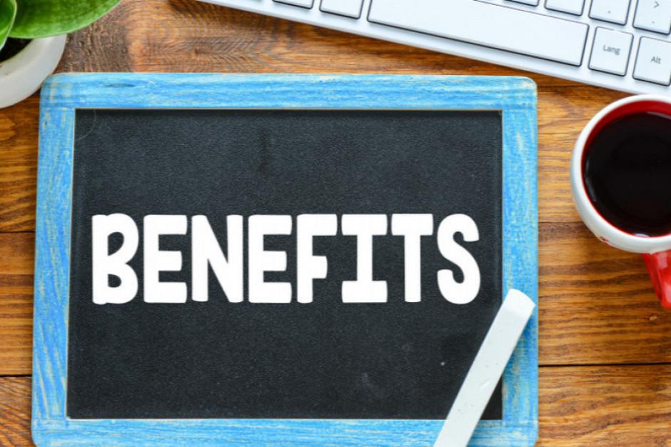 9 na 10  pracowników korzysta z pozapłacowych benefitów w pracy