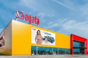 Zysk właściciela salonów Agata zmalał o prawie 14 mln zł