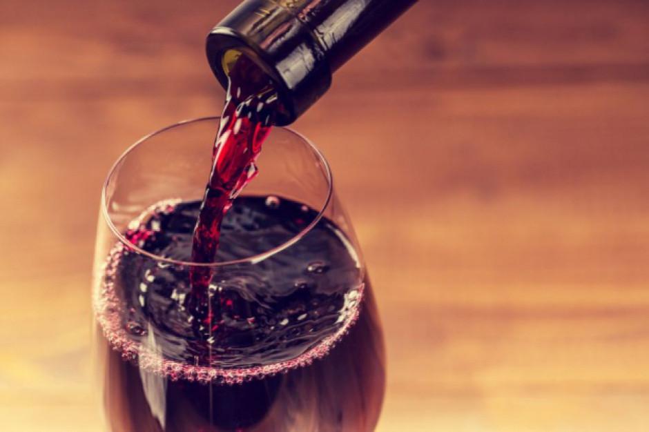 Termin opłaty za sprzedaż napojów alkoholowych w gastronomii przesunięty przez radnych