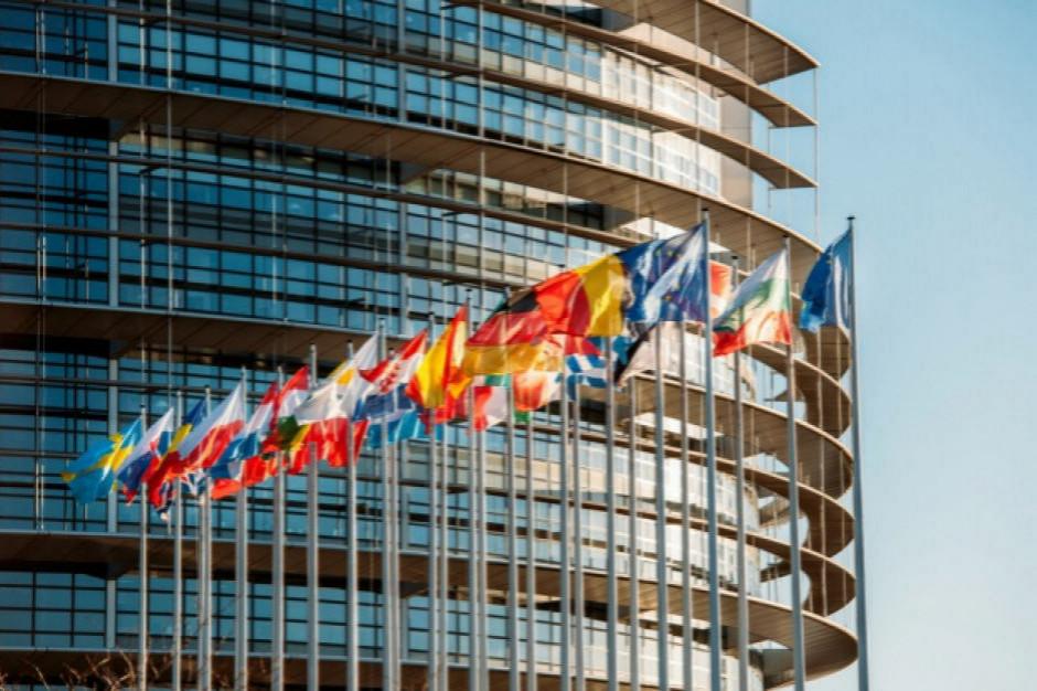 Giganci technologiczni wydają rocznie niemal 100 mln euro na lobbing w UE