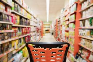 Przez rok liczba sklepów spożywczych i kosmetyczno-chemicznych w Polsce spadła o 1,8 tys.