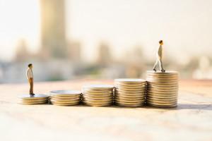 Płaca minimalna od 2022 roku wyniesie 3010 zł, fot. shutterstock