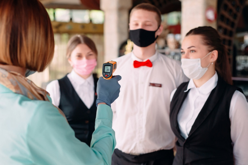 Organiczenia w dostępie do usług zmobilizują niezaszczepionych?