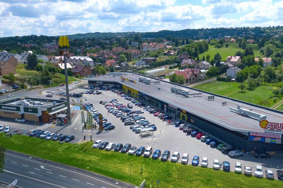 LCP kupuje kolejne 2 parki handlowe, chce przeznaczyć na inwestycje 250 mln euro